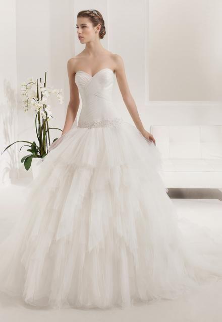 Arabella Lux Esküvői Ruhaszalon Prisca