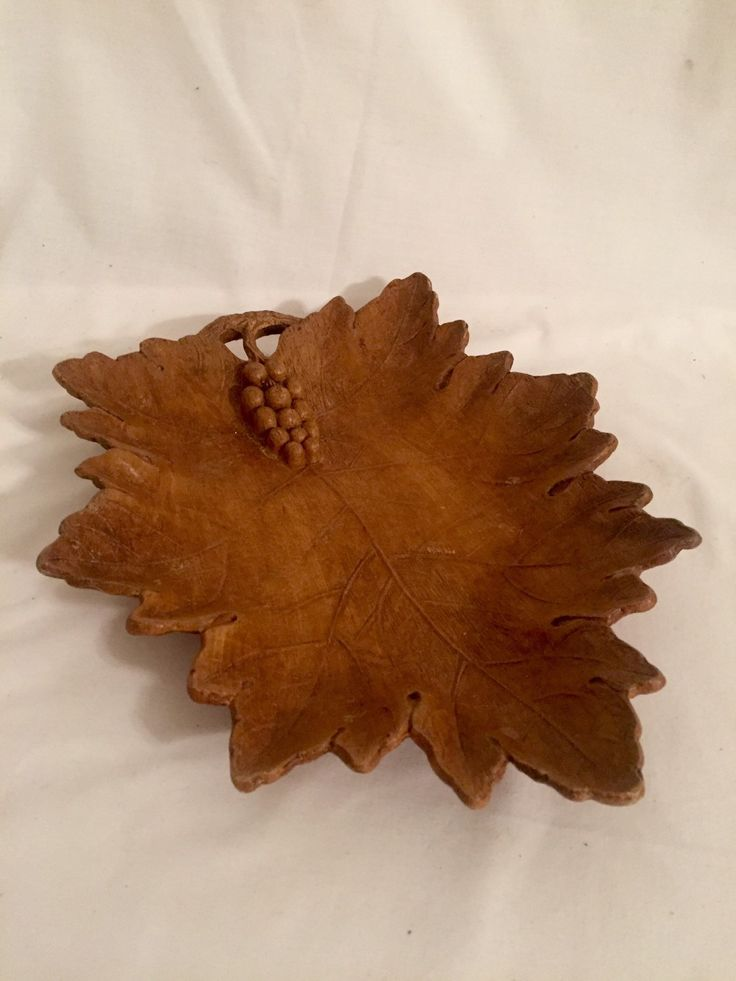Vintage carved wooden dish tray nut bowl maple leaf