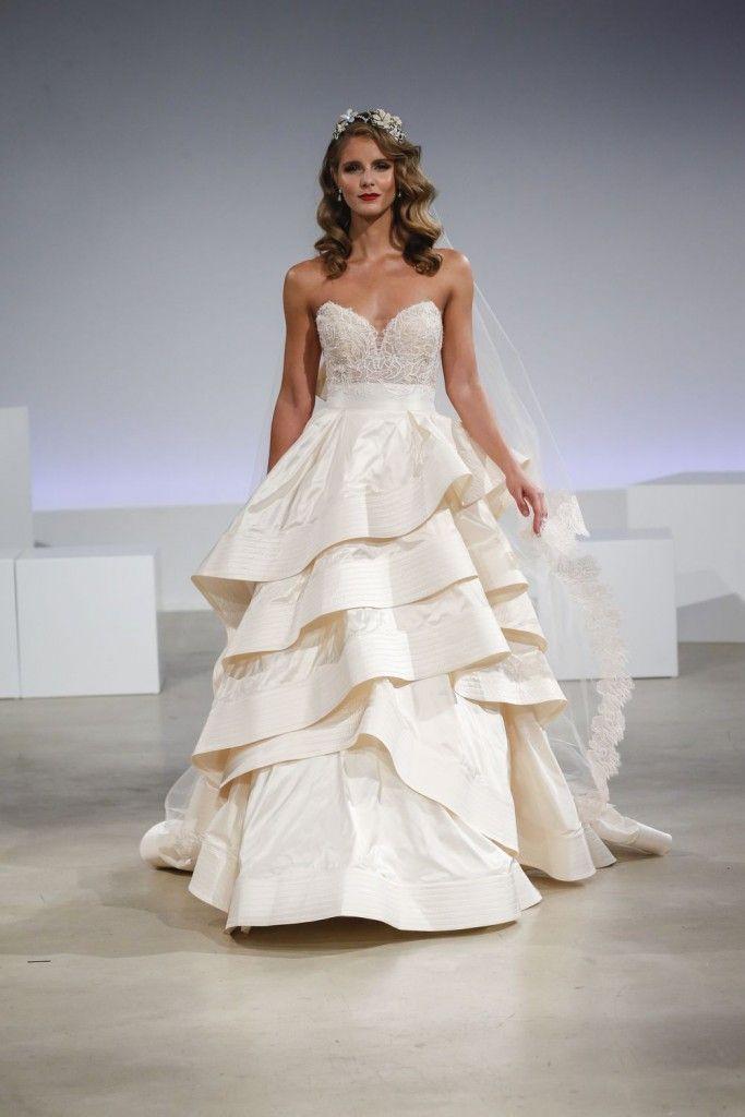 Robe de mariée Amelia par Anne Barge collection Fall 2017