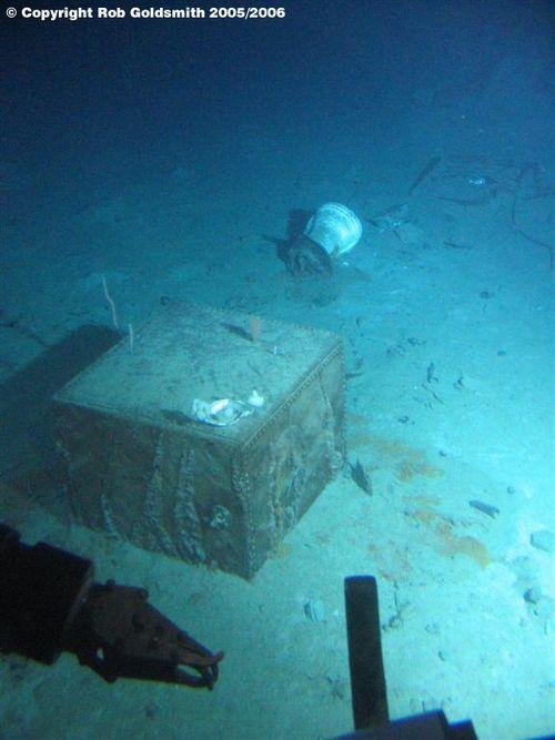 A safe found in Titanic's debris field...
