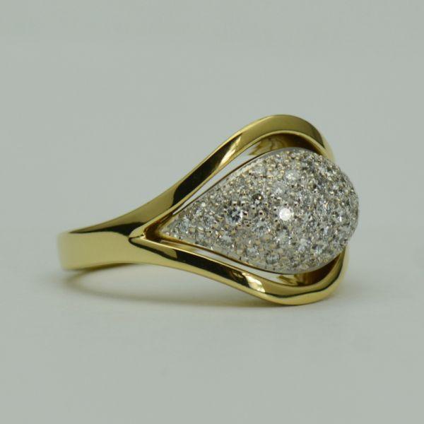 Inel din aur galben cu diamante rotunde