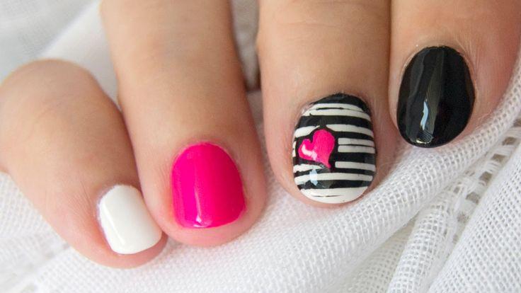 Diseño de uñas cortas blanco y negro corazón neón / Short nail design bl...