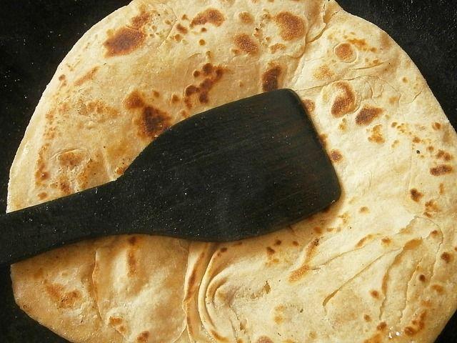 Plněný libanonský chléb - Zejména v letním období vás osvěží tento recept na zdravý letní oběd.