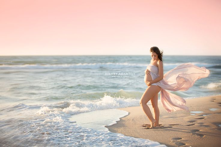 Inspiring Image of the Week | featuring Hilary Adamson Photography on LearnShootInspire.com #maternity #photography