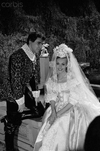 Angélique, Marquise des Anges :Michèle Mercier and Robert Hossein
