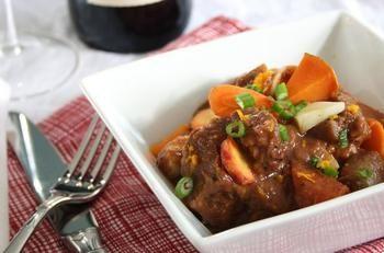 Рагу из говядины с красным вином и грибами