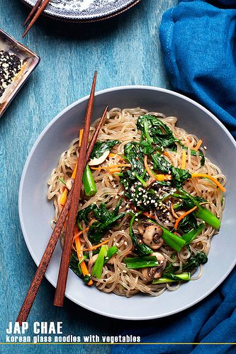 Jap Chae - Korean Glass Noodles by Cindy | Hungry Girl por Vida, via Flickr-These noodles are great for gluten free people and can be used like wheat pasta.