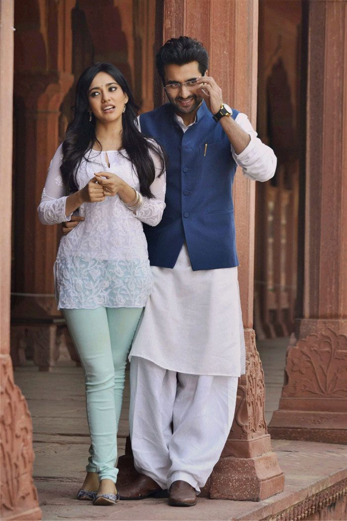 Jackky Bhagnani and Neha Sharma at the Taj Mahal in Agra shooting for their upcoming film 'Youngistaan'. #Bollywood #Style #Fashion #Beauty