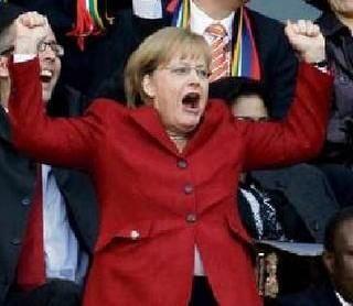 Jacques Delpla : « L'Allemagne doit 575 milliards d'euros à la Grèce » L'économiste, membre du Conseil d'analyse économique, a calculé que les Allemands doivent aux Grecs au moins 575 milliards d'euros au titre de la seconde guerre mondiale. Il estime...