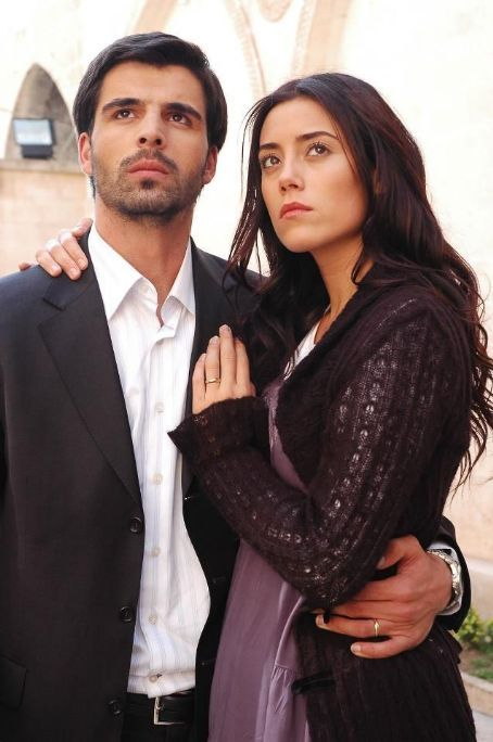 Cansu Dere and Mehmet Akif Alakurt - FamousFix