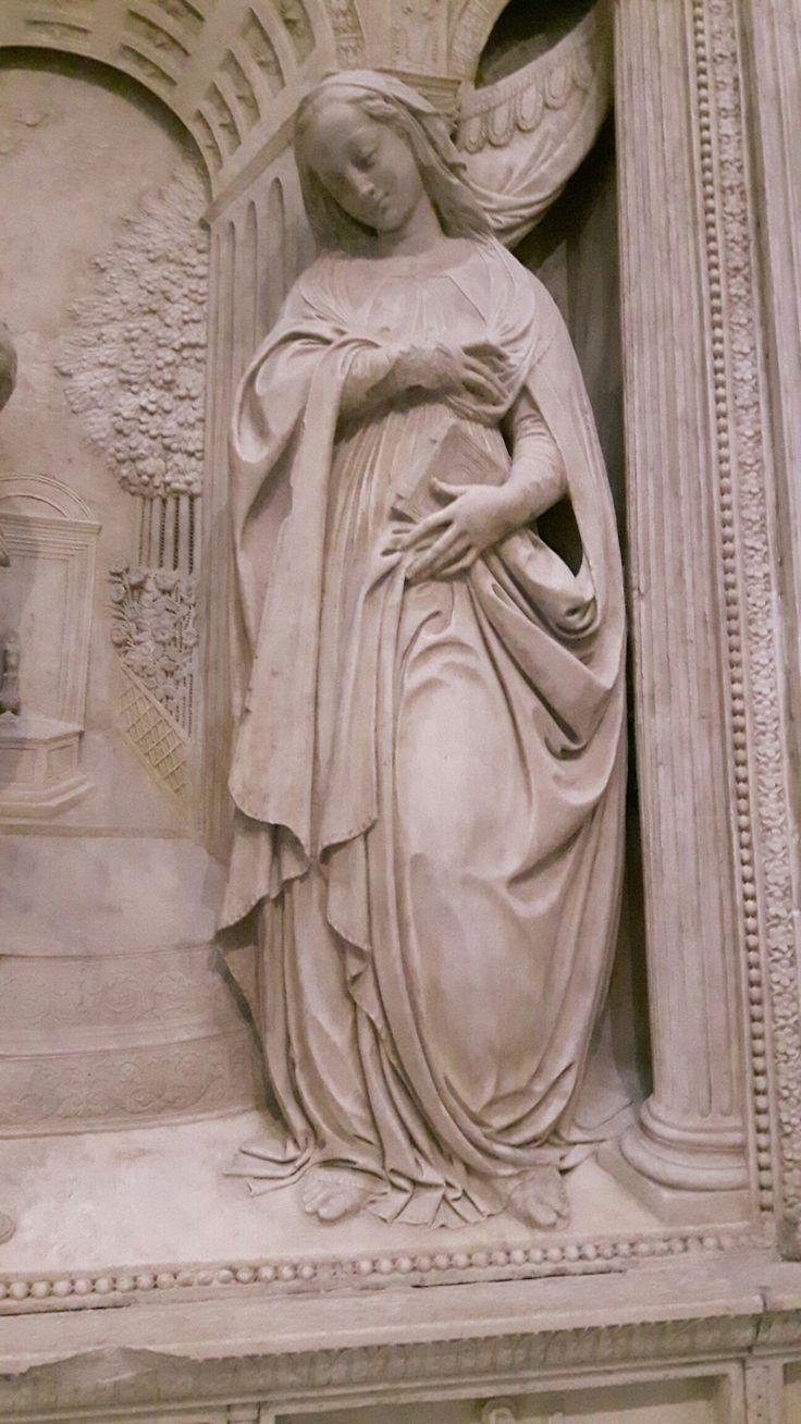 Annunciata. Dalla Cappella Correale di Terranova nella Chiesa di Sant'Anna dei Lombardi a Napoli
