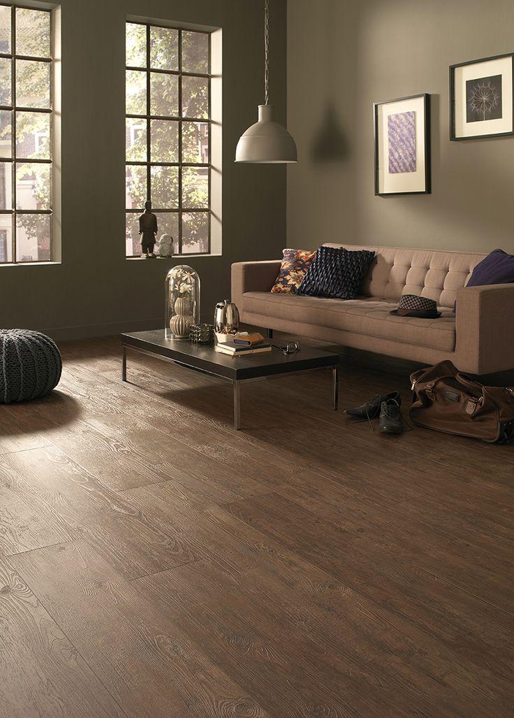 Woonkamer met natuurlijke inrichting en mooie Belakos PVC vloer uit de Country Life collectie.