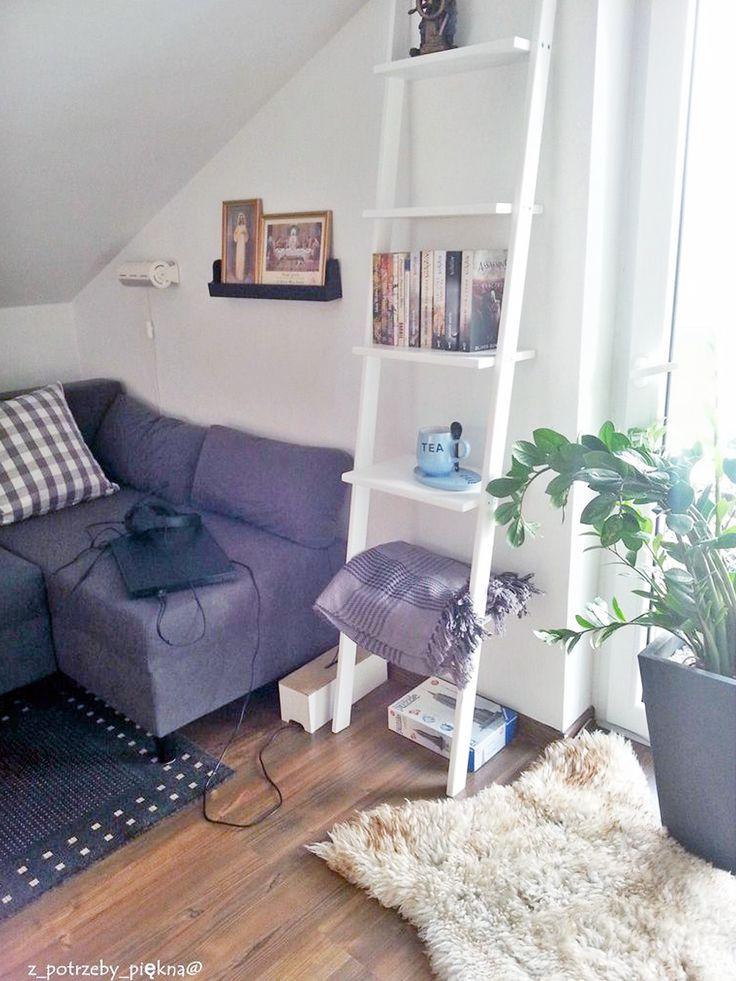 Drabinka jako regał w pokoju nastolatka   #ladder #laddershelf #drabinka #drabina #regał #homedecor #homespace #interiorideas #interiordesign