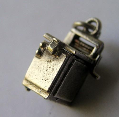 Fun Vintage English Silver Washing Machine Charm Opens to Bra