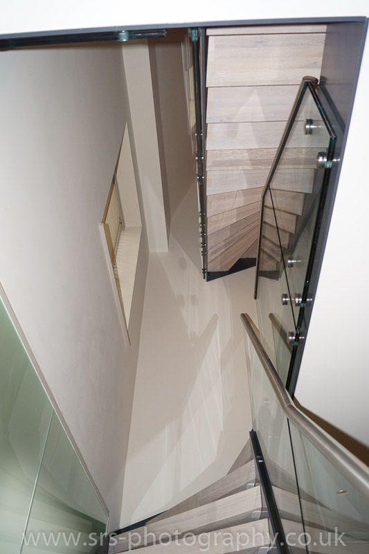 In uno dei quartieri più esclusivi di #Londra abbiamo progettato e realizzato una nostra scala a giorno mod. 500 www.interbau.it