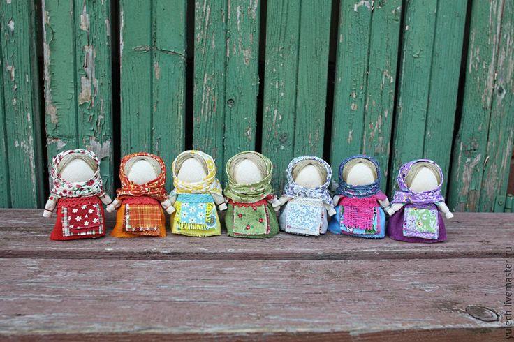 """Купить Народные русские куколки """"Радужные"""" - разноцветный, народная кукла, народная традиция, куколка в кармашек"""