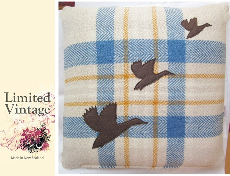 Limited Vintage: Flying Ducks