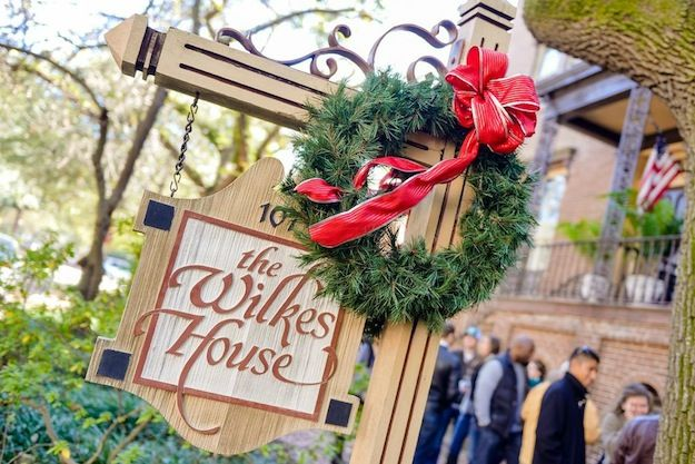 41 best holiday season savannah style images on pinterest for Ideas for mini vacations