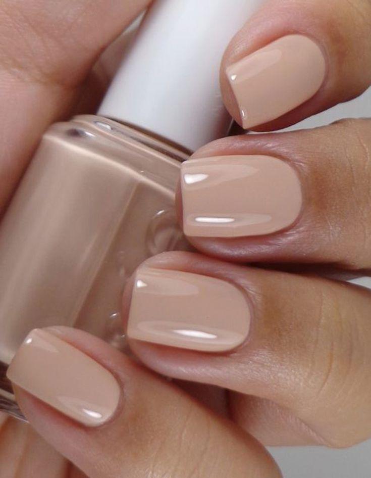 Manucure printemps nude  -  Les 20 tendances manucure qui feront le printemps  - Elle