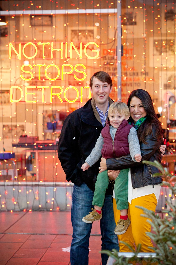 Detroit family Christmas photo