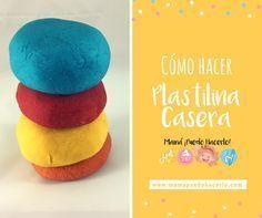 Una fácil receta de cómo hacer plastilina casera. Una masa sensorial para niños que fomenta la creatividad y desarrolla las habilidades motoras finas.