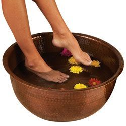PEDICURE BOWLS Hammered Copper Pedicure Bowl PEDICURE BOWLS Hammered Copper Pedicure Bowl makes a beautiful statement and creates a true spa experience. An elegant alternative to noisy thrones or jets, this lightweight, portable spa comfortably accommodat