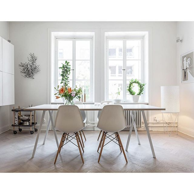 henriknero Älskar denna matplats #realestate #stockholm #design #interior4all #inredningstips #inredningochdesign #inredningsdesign #inredning #vardagsrum #interiör #egendesign #interiorwarrior #inredningochdesign1 #homestyling #heminredning #inspiration #designforinspiritation #interiördesign #skandinaviskahem #kvadrat52 #skonahem #inredning #homeinspo #vitahem #finahem #metromodehome #inredningsdamm #egetföretag #homedecor #decoration