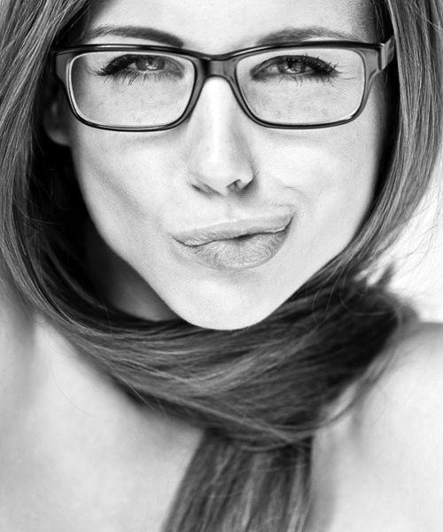 Jennifer Aniston!  Love the glasses.  I need a new pair!