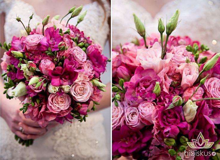 Pink Wedding bouquet made of fresia flowers with roses #fresia #pinkwedding #weddingflowers #hibiskus #hibiskus.pl