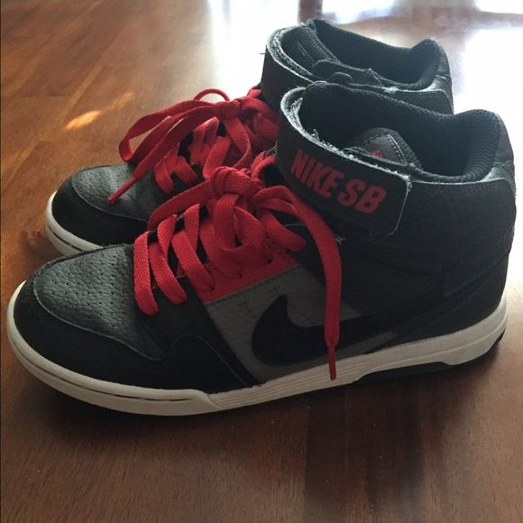 Boys Nike Hi top sneakers kids size 4.5y Great condition only worn 2x my son didn't like that they were hi tops. Nike Shoes Sneakers