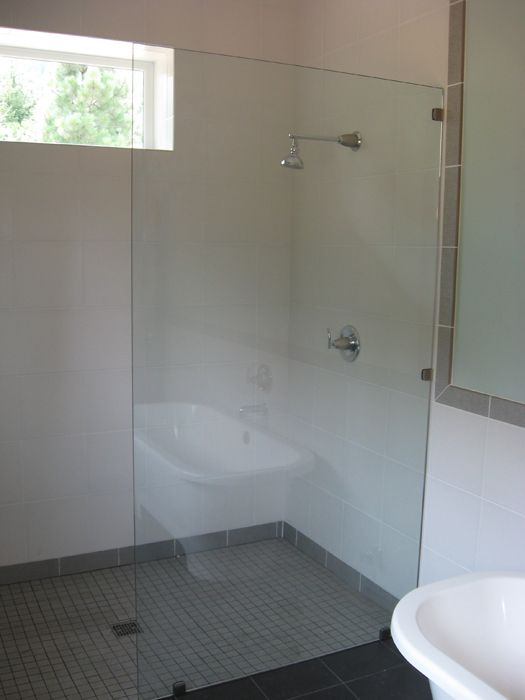 OPEN SHOWER ESTATE GLASS PARTITION WITH CLIPS CH-CL
