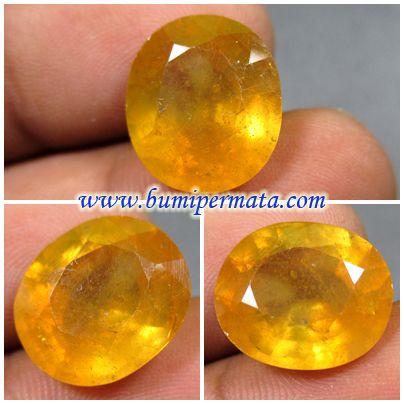 BM685 Batu Permata Natural Yellow Sapphire Corundum Nama Batu Permata : Natural Yellow Sapphire Corundum Dimensi Batu Permata : est 14,29 x 12,50 x 7,59 mm
