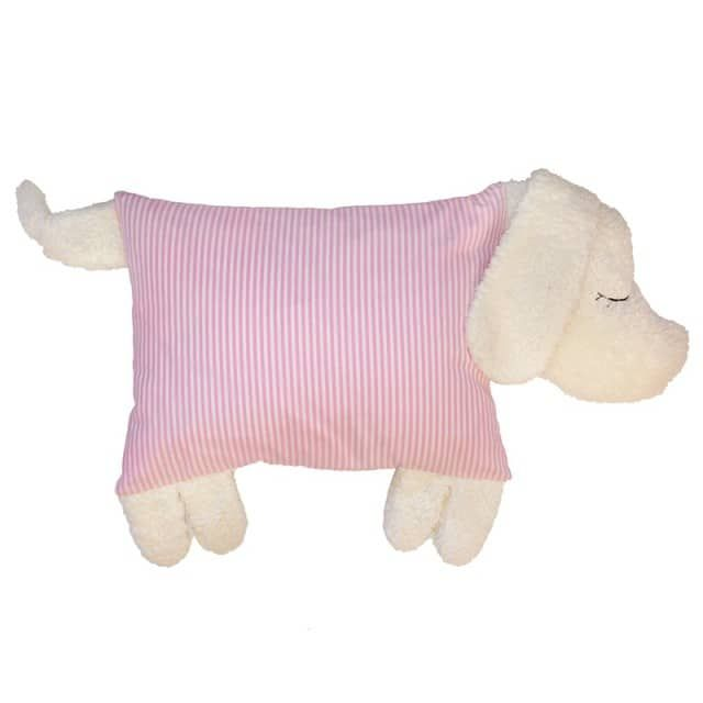 Ein bezauberndes Kissen für Mädchen zum Kuscheln in  Form eines Hundes. Dieses süße Haustier mit flauschigen Köpfchen und  weichem gepolsterten Bauch ist ein treuer Begleiter für Ihr Kind.Unser Hundekissen ist auch als Schutz im Babybett ideal und  vermittelt Babys Geborgenheit. Der Bezug ist abnehmbar, das  Innenkissen aus flauschiger Schafswolle bereits enthalten. Unser Hundekissen kann nun auch mit Namen bestickt werden! Hier klicken, um die optionale Personalisierung zu bestellen.Maße…