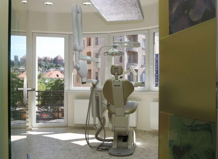 http://www.budapestvoyage.fr/tourisme-medical-hongrie/soins-dentaires-en-hongrie/clinique-implantcenter