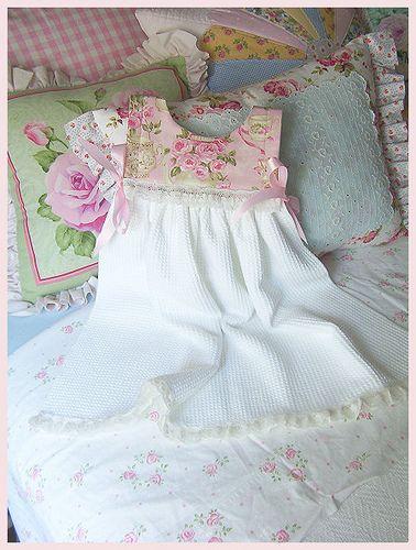 dress out of dish towel: Photo Sharing, Rose Garden, Gurley Girly, Roses Garden, Dishtowel, Diy