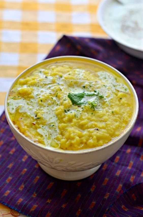 Moong Dal Khichdi :: Yellow Mung Lentil one pot curry :: Light and easy Dinner recipe – The Veggie Indian