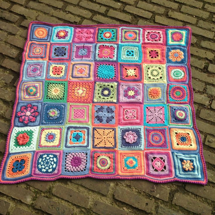 A blanket of different squares - a great way to improve your crochet skills.   http://ravel.me/Talllulah31/2cb