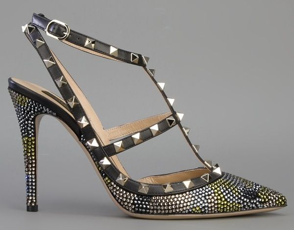 Valentino Rockstud Fancy Pumps