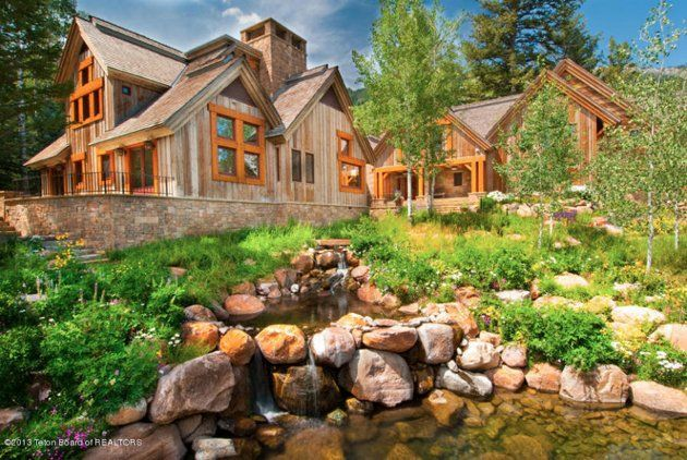 4 (3) wood and stones This is how the world's richest woman lives: Christy Walton's Wyoming estate is for sale