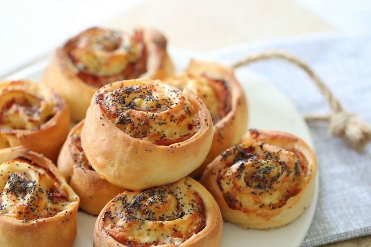 These Thermomix Ham, Cheese & Mayo Scrolls are so simple to make and taste incredible. They make the perfect lunchbox filler and are also freezable.