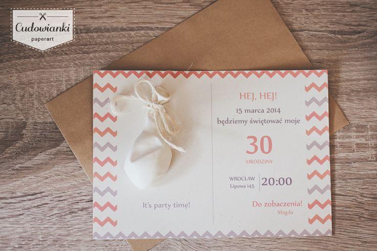 Birthday party invitation with balloon, printed on recycling paper. So sweet! | Oryginalne zaproszenie na urodziny wykonane na wysokiej jakości papierze ekologicznym. Projekt by Cudowianki.