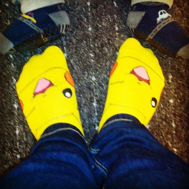 Meine #Pikachu⚡ #Socken Hihi mein kleiner wollte, dass ich seine Socken auch mit fotografiere ;) einfach süß :) #cutiepix #cutiepixdesign #socks #feet #füße #füsse #pikapi #pikachu #pika #pipikachu #pokemon #anime #manga #baby #kind #аниме #манга #покемон #пикачу #носки #детские #ребенок #нога #ноги