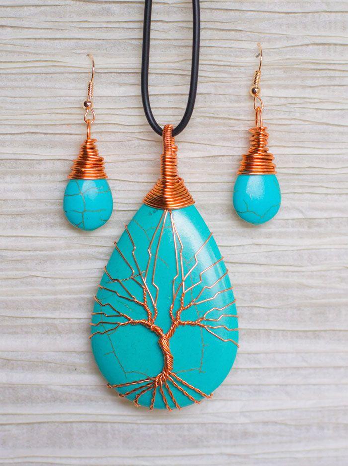 Celina Ortiz e o marido fazem lindos colares e brincos com fios de bronze e de alumínio que encontrar em televisores descartados - Foto: Celina Ortiz