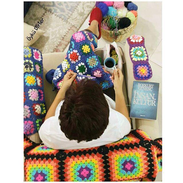 Canım kızım Beril'imin objektifinden kuşbakışı ben 😉☺ İyi geceler 🌝 🌚 #crochet #crocheting #crochetlove #crochetlover #yarn #grannysquare #grannysquares #instacrochet #crocheteveryday #yünaşkı #örgü #örmeyiseviyorum #battaniye #bebekbattaniyesi #tığişi #handmade #like4like #liketolike #l4l #likeforlike #likefourlike #örgüheryerde #crocheteveryday #crocheteverywhere #crochetismytherapy #colourfulcrochet #egeyibüyütürken #dayofpicture