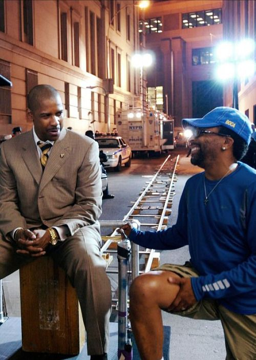 ilove-lyfe:    cleophatrajones:    soulbrotherv2:    Denzel and Spike having a chat.    They're overdue for another collabo.    Denzel, Denzel, Denzel…..like fine wine!!!