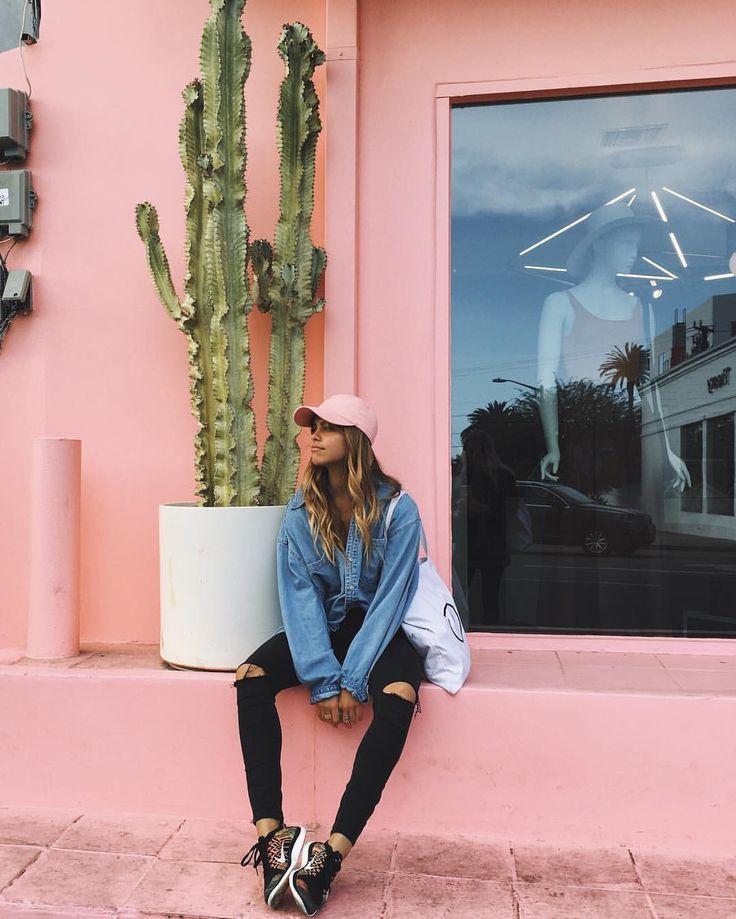 Denim tees, knee slit jeans, pink baseball cap, and lace-up sneakers is pretty much our uniform for casual days