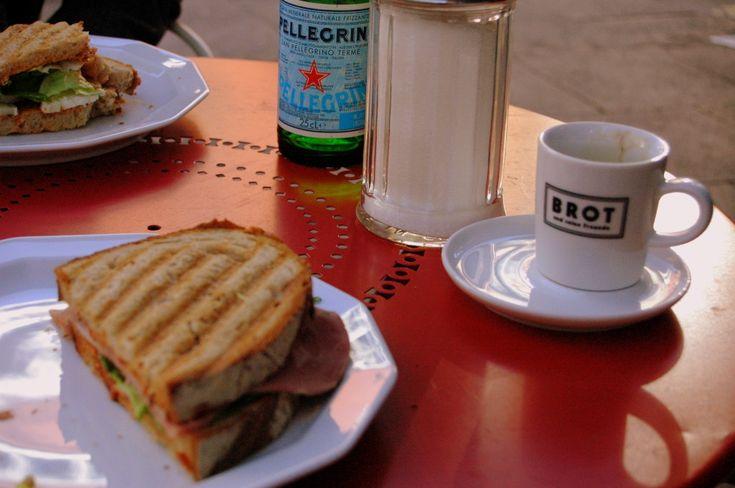 Best Stulle in town: Brot und seine Freunde in Frankfurt am Main, #Germany –––––––– Full City Guide #Frankfurt: http://www.ponydanceclyde.com/frankfurt-essen-trinken-zehn-lieblingsorte/