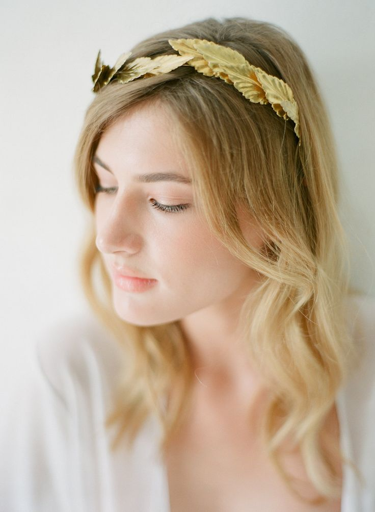 Bridal Greek style headpiece for the perfect destination wedding in Greece http://bit.ly/2dYCNi7