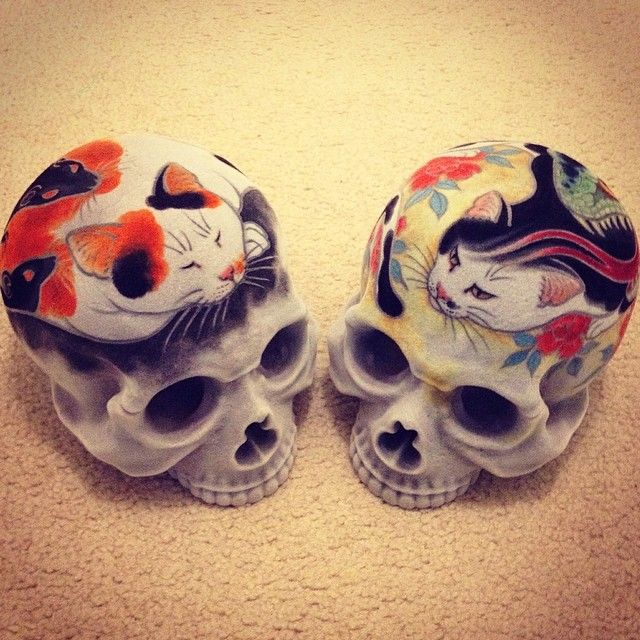 Horitomo Monmon Cats Skulls