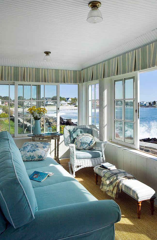 Как выбрать раздвижные окна для террасы: советы профессионалов и 80 стильных реализаций для вашего дома http://happymodern.ru/razdvizhnye-okna-dlya-terrasy/ Раздвижные деревянные окна на веранде в пляжном домике